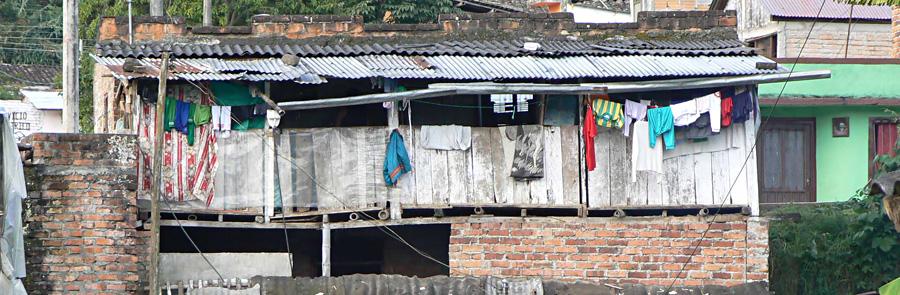Wellblechhütten – für viele Kinder das Zuhause